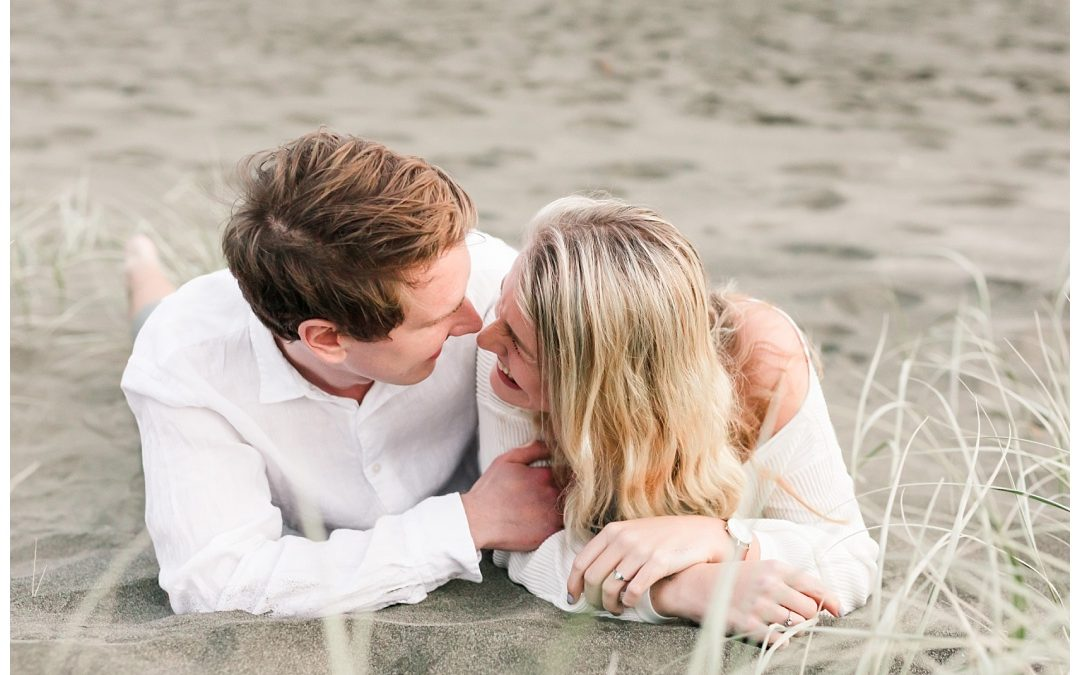 Alex & Simeon – Piha Mini Engagement Session